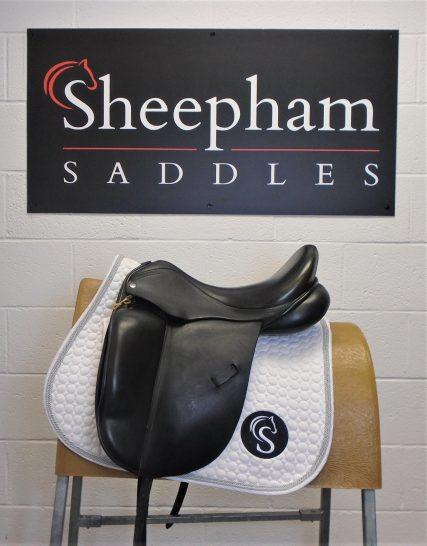 Harry Dabbs Dressage Saddle Black 18″ MW-W – #SC971#