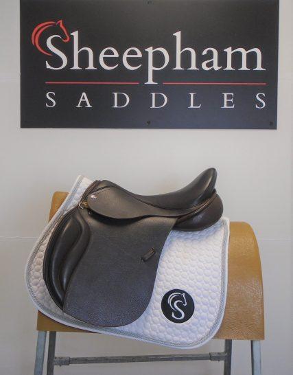 #SC1154# Brown 17.5″ English Leather Optimum Performance MW Fit GP Saddle – EX DEMO Optimum Performance
