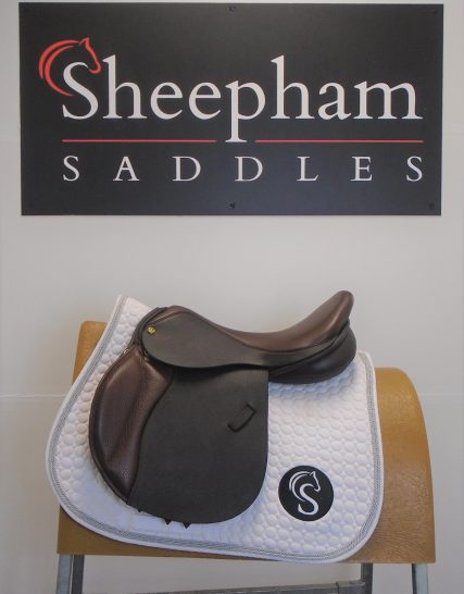 Ideal Deal Jump Saddle 17.5″ MW Brown – #SC1158# Ideal