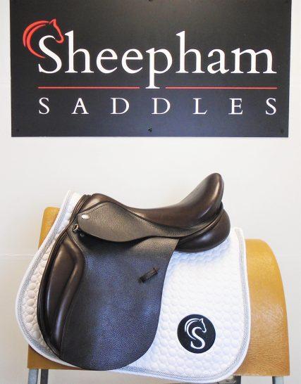 #SC1163# Brown 17.5″ English Leather Optimum Performance MW Fit GP Saddle – EX DEMO Optimum Performance