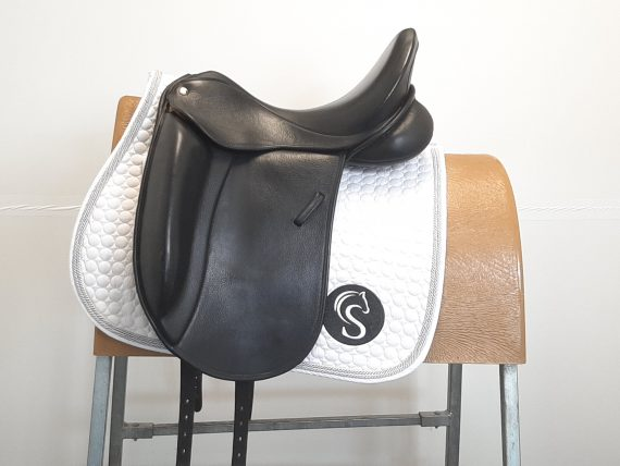 Dressage Saddle Black 17″ MW – #SC1008# Unbranded